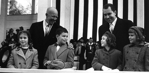 Eisenhower grandkids and Nixon kids with fathers
